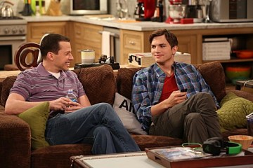 Two and a Half Men Season 10 Episode 17 Throgwarten Middle School Mysteries (5)