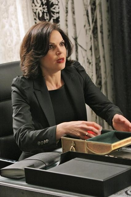 Once Upon a Time Season 2 Episode 17 Welcome to Storybrooke (9)
