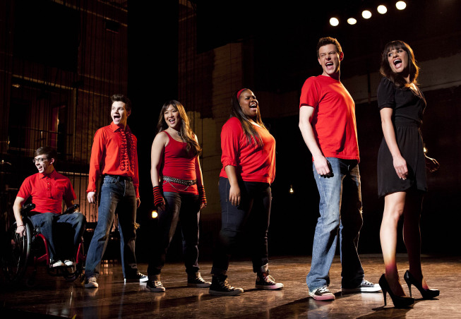 https://i2.wp.com/www.tvequals.com/wp-content/uploads/2013/04/Glee-Season-4-Episode-19-Sweet-Dreams-07.jpg