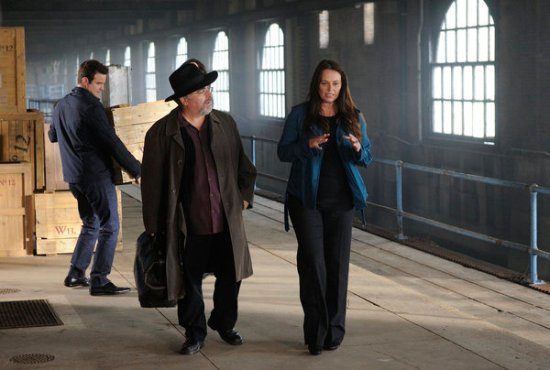 Warehouse 13 Season 4 Episode 18 Lost & Found (2)