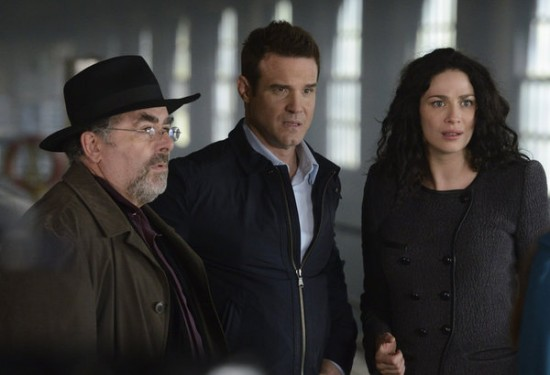 Warehouse 13 Season 4 Episode 18 Lost & Found (1)