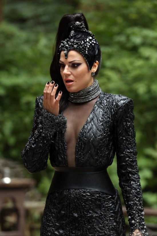 Once Upon a Time Season 3 Episode 2 Lost Girl (14)