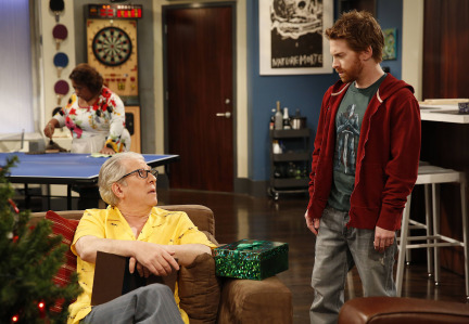 Dads Season 1 Episode 11 The Glitch That Stole Christmas (14)