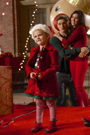 Raising Hope Episodes 9 & 10 The Chance Who Stole Christmas;Bee Story (2)