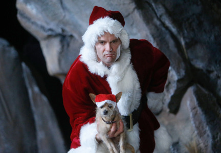 Raising Hope Episodes 9 & 10 The Chance Who Stole Christmas;Bee Story (15)
