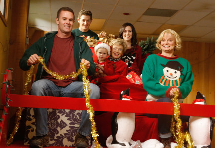 Raising Hope Episodes 9 & 10 The Chance Who Stole Christmas;Bee Story (10)