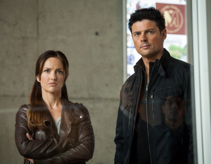 Almost Human Season 1 Episode 10 Perception (13)