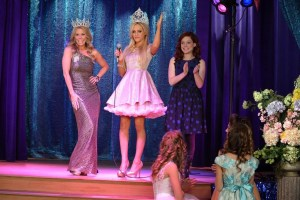 Suburgatory Season 3 Episode 10 No, You Can't Sit With Us (1)