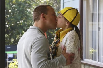 The Middle Season 5 Episode 19 The Wind Chimes (10)