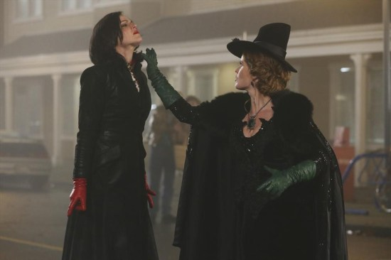 Once Upon a Time Season 3 Episode 16 It's Not Easy Being Green (14)