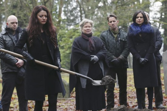 Once Upon a Time Season 3 Episode 16 It's Not Easy Being Green (5)