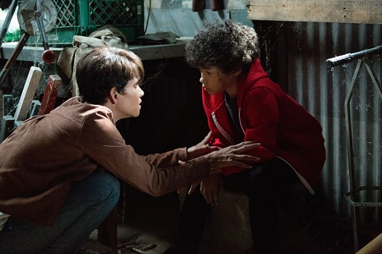Extant Season 1 Episode 12 Before the Blood-4