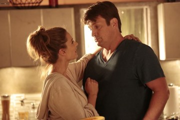 "STANA KATIC, NATHAN FILLION CASTLE - ""The Time of Our Lives 01"