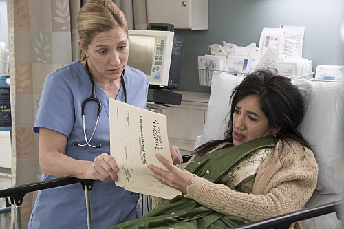 "Nurse Jackie ""Vigilante Jones"" Season 7 Episode 11 (7)"