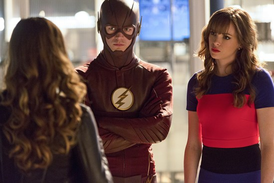 """The Flash """"Family of Rogues"""" Season 2 Episode 3 (16)"""