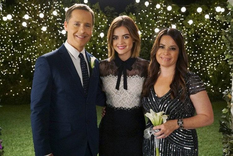 CHAD LOWE, LUCY HALE, HOLLY MARIE COMBS