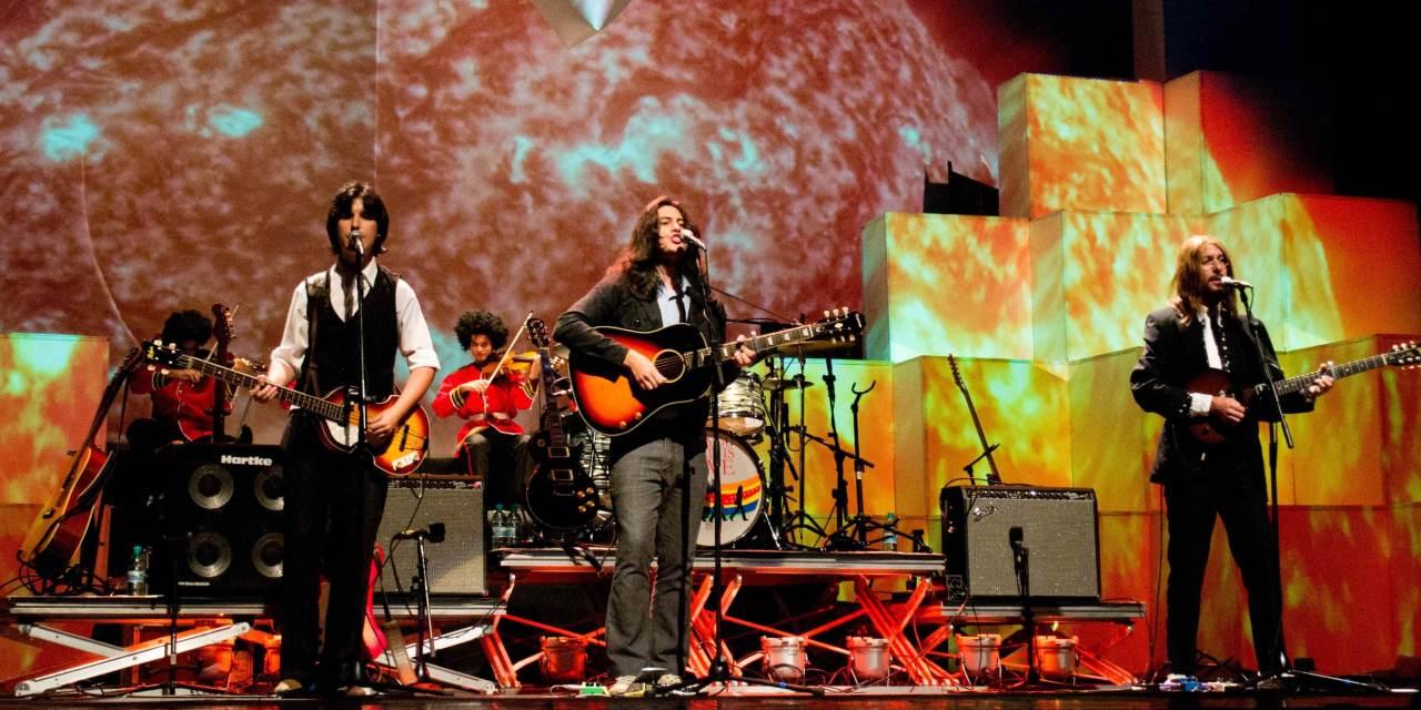 Show de All You Need Is Love traz arranjos e figurinos originais dos Beatles