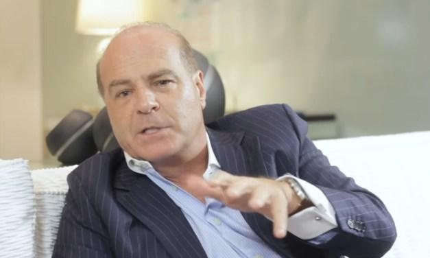 Marcelo de Carvalho critica monopólio da Globo e a acusa de campanha contra Bolsonaro