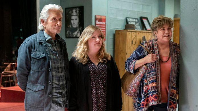 The Kominsky Method' Reunites Michael Douglas and Kathleen Turner in Season  3 (PHOTOS)