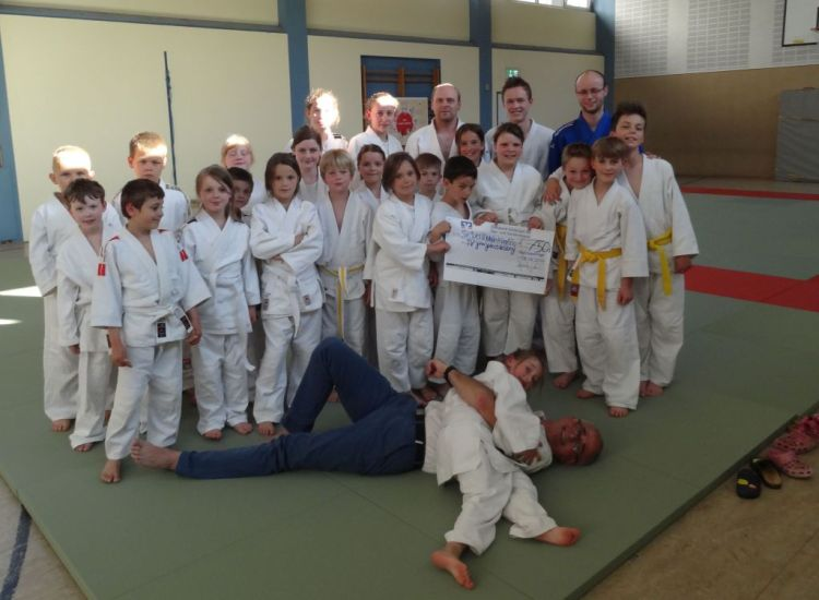 https://i2.wp.com/www.tvjahn-bad-lippspringe.de/tl_files/artikelbilder/2012/Judo/DSC08163_klein.jpg?w=750&ssl=1