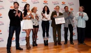 """El elenco de """"Te presento a Valentín"""" estuvo presente en el pizarrazo, encabezado por el Sr. Eugenio Cobo, director general del CEA"""