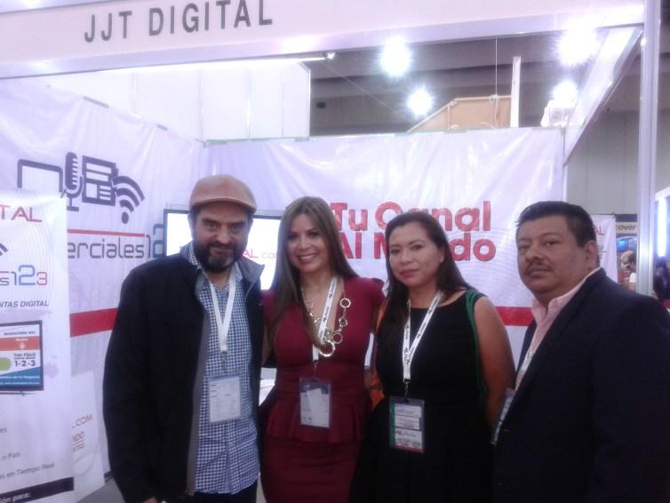 Jessica Tomassello y  Andrea Rodriguez de JJDIGITAL con cable operadores