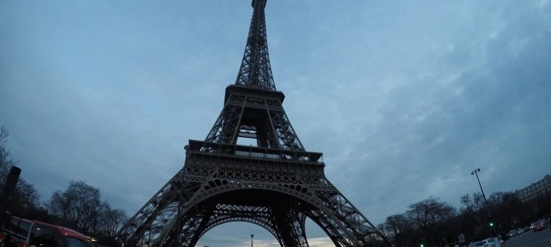 Paríž bol 13. novembra 2015 svedkom ničivých teroristických útokov