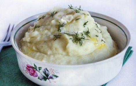 Пюре цветная капуста, сливки, картошка, сельдерей. Полезная пища.