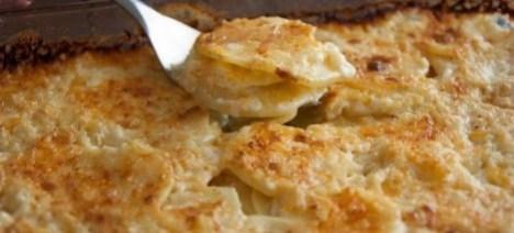 Картофель запеченный в кефире. С аппетитной сырной корочкой.