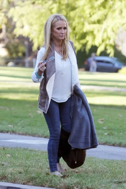 Kim-Richards-seen-filming-her-reality-show-The-Real-Housewives-of-Beverly-Hills (1)