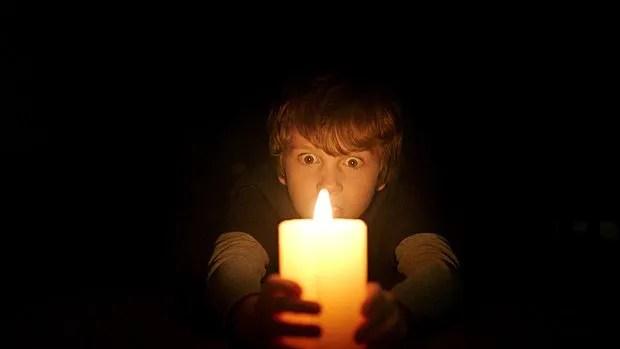 Gabriel Bateman dans Lights Out.