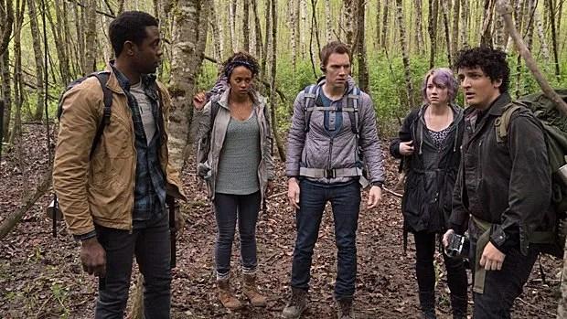 Brandon Scott, Corbin Reid, James Allen McCune, Valorie Curry et Wes Robinson dans Blair Witch.