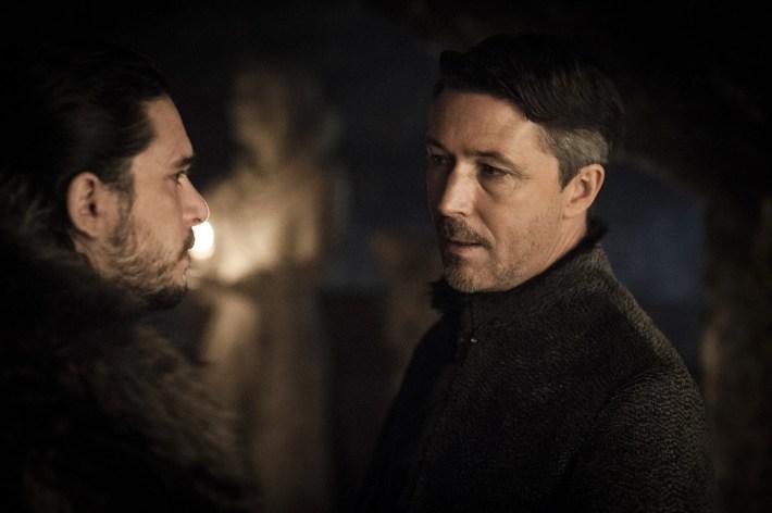 "Kit Harington est Jon Snow and Aidan Gillen est Petyr ""Littlefinger"" Baelish Stormborn"