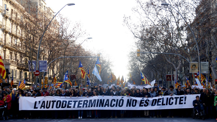 200.000 persones es manifesten contra el judici dels presos polítics