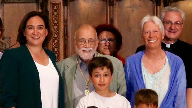 Medalla d'or al Mèrit cívic  a Arcadi Oliveres pels 50 anys de defensa de la justícia social