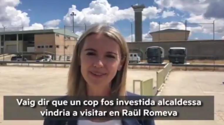 L'alcaldessa Mireia Ingla compleix el darrer compromís electoral i visita els presos Oriol Junqueras i Raül Romeva