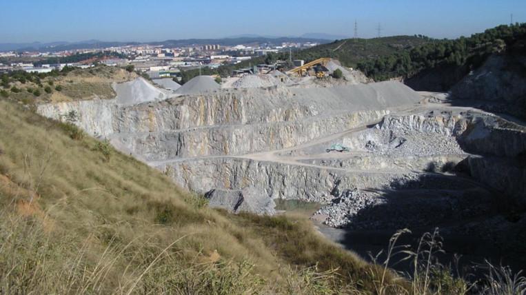 L'Ajuntament clausura la pedrera Berta per preservar els seus valors naturals i geològics