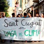 Una cinquantena de santcugatencs se sumen a la Vaga Mundial pel Clima