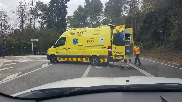 Un ferit lleu en un accident entre dos vehicles a l'Arrabassada