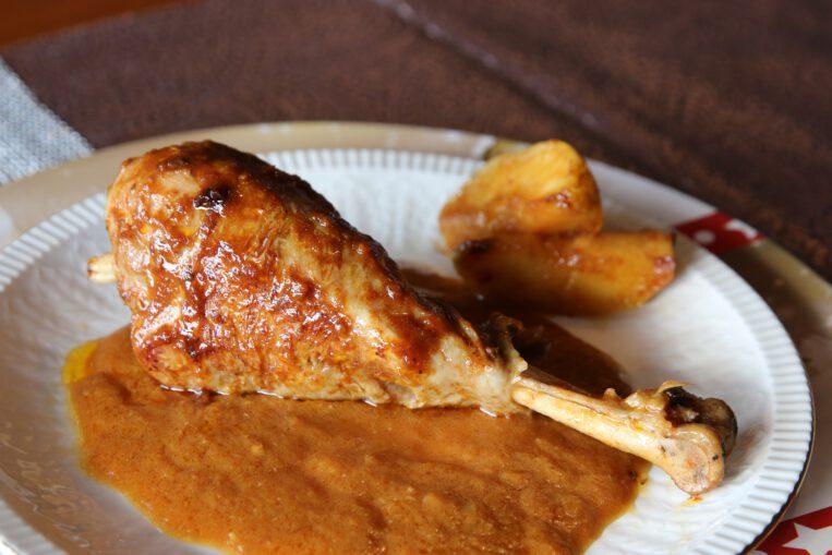 Cuixes de gall d'indi amb salsa de poma