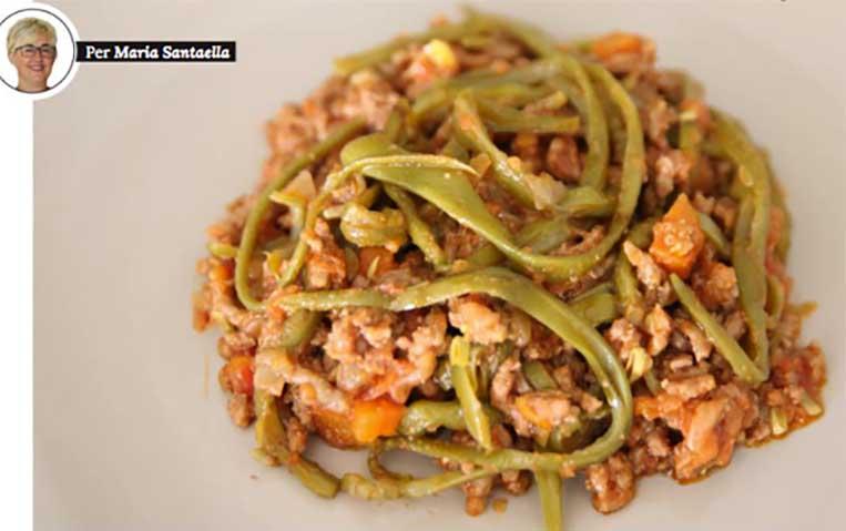 Espaguetis de mongeta verda amb carn