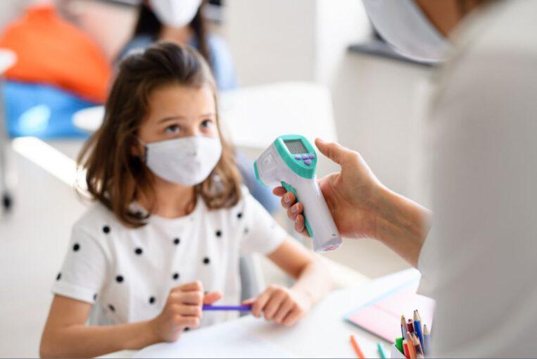 Confinament escoles aïllament temperatura coronavirus covid-19