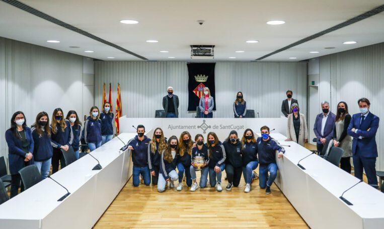 Les jugadores del Club Junior Sant Cugat són homenatjades pel seu triomf a la Copa de la Reina