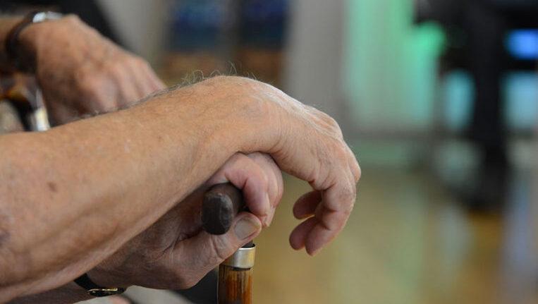 S'engega un programa per detectar situacions de risc en persones d'entre 81 i 89 anys que viuen soles