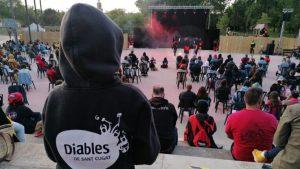 Les Bèsties dels Diables de Sant Cugat es retroben en un espectacle de pirotècnia, percussió i cultura tradicional