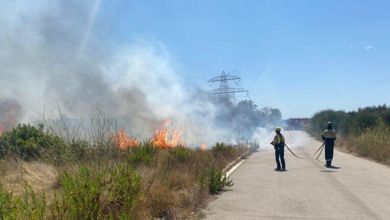 Extingit un incendi al costat de l'estany dels Alous
