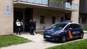 Desarticulen a Sant Cugat una organització que venia contractes fraudulents d'empleat de la llar a estrangers per 8.000 euros