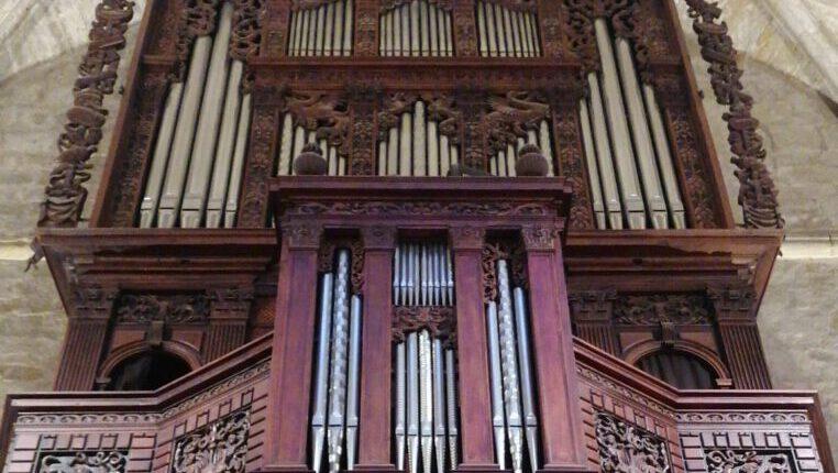 """""""Apadrina un tub"""", la campanya de la Parròquia per restaurar l'orgue del Monestir"""