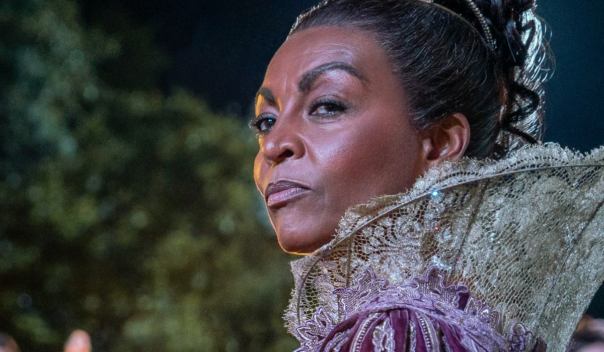 Adjoa Andoh Interpreta Marina Thompson In Bridgerton, Credits Liam Daniel/Netflix
