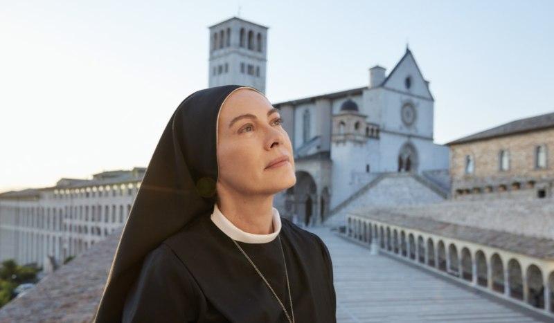 Che Dio Ci Aiuti 6 Elena Sofia Ricci nei panni di Suor Angela: Credits Lucia Iuorio e Rai